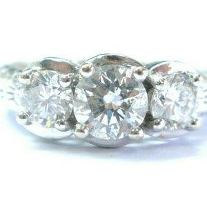 Jewelry - Fine Three Stone Round Cut Diamond Milgrain White